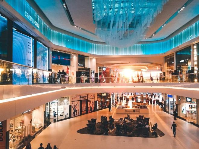 Patronii mall-urilor din România, scrisoare deschisă către Guvern: Mii de afaceri, din 25 de oraşe, sunt afectate de amânarea deschiderii centrelor comerciale