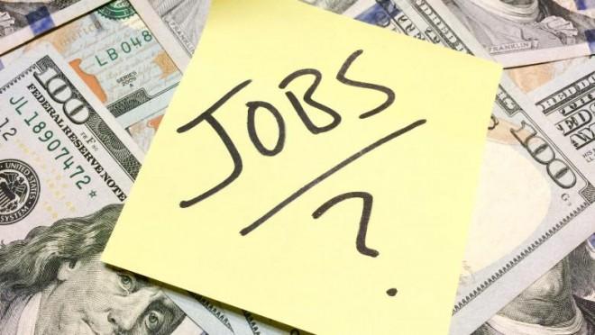 Tabloul crizei pe piața muncii. Mișcarea care ar putea duce la scăderea salariilor în mediul privat