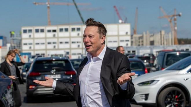 Elon Musk a devenit cel mai bogat om din lume. Averea fondatorului Tesla a crescut fulminant