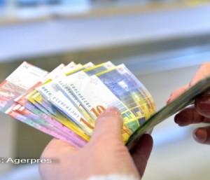 Veşti bune pentru românii cu credite în franci eveţieni