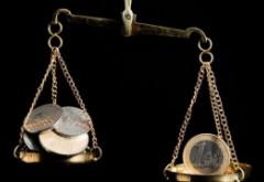Cutremurul de pe Wall Street zguduie piața valutară din România: Euro și dolarul urcă