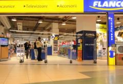 Flanco isi inchide magazinele din mall-uri