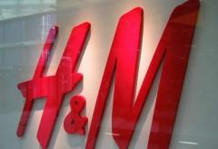 H&M, scădere a profitului cu peste 60%. Retailerul are stocuri de haine nevândute de peste 4 MILIARDE dolari