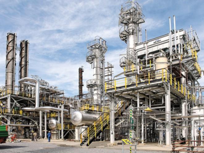 Petrom reia operaţiunile la rafinăria Petrobrazi, după o revizie de şase săptămâni care a costat 45 mil. euro