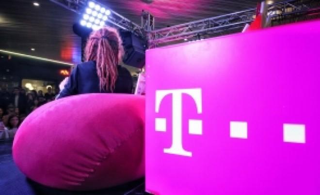 Vodafone şi Telekom, mutare în premieră. Decizia va afecta toţi clienţii ambelor companii