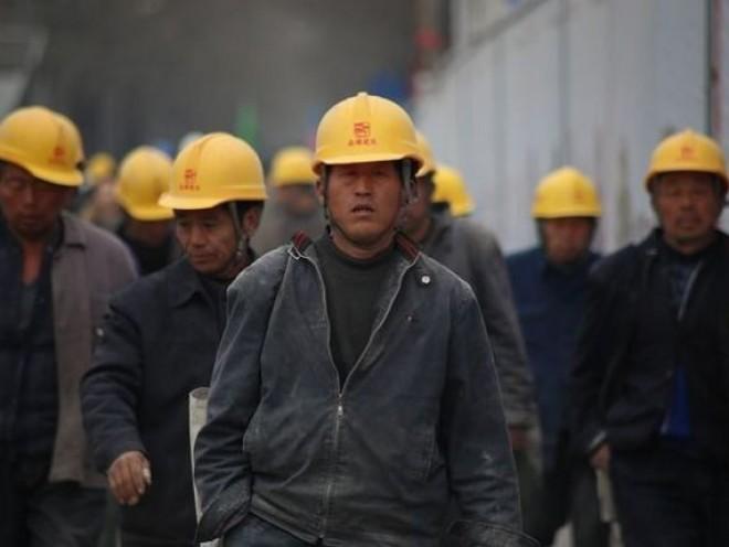 Patronii din Romania angajeaza masiv muncitori din Asia. Domeniile în care companiile nu găsesc muncitori pe piața locală
