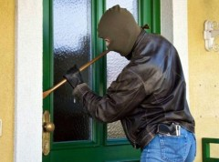 INEDIT! Aplicaţia de pe telefonul mobil care te fereşte de hoţii de locuinţe