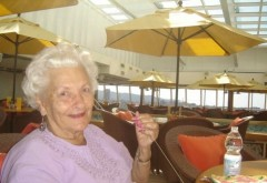 INEDIT! La 86 de ani a vândut totul pentru a se muta pe cel mai luxos vas de croazieră