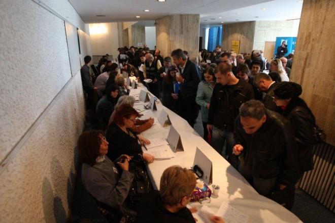 Locuri de munca in Ploiesti: peste 690 de joburi, scoase la concurs