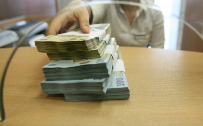Peste 14% dintre prahovenii cu DATORII la banci au RESTANTE. Vezi harta datoriilor
