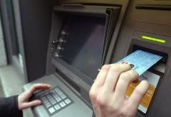 COMISIOANELE băncilor. Cum vă dispar banii de pe card, fără să ştiţi