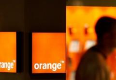 Orange face angajări. Te califici dacă ai cel puţin studii medii