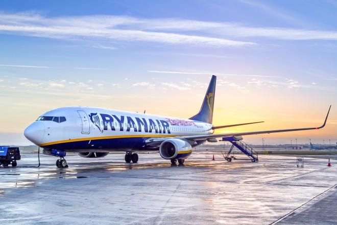 """Ryanair face angajări în România: """"niciun tip de experienţă nu este necesară"""""""