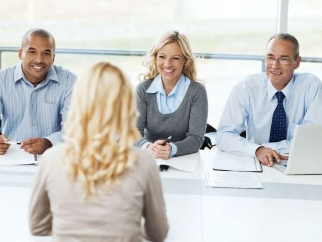"""INTERVIU pentru ANGAJARE: Ce trebui să răspunzi la întrebarea """"De ce să te angajăm pe tine?"""""""