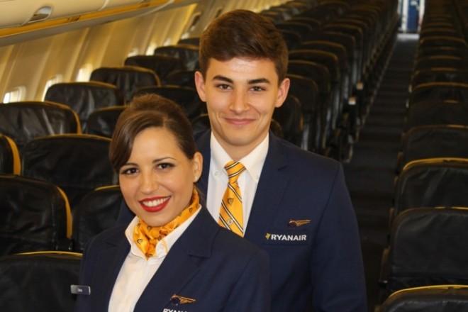 Cea mai mare companie aeriană din Europa angajează în România. 1.200 € primă, fără experiență