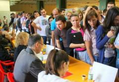 Aproape 300 de absolventi si-au gasit un job la Bursa de Toamna a locurilor de munca organizata la Ploiesti