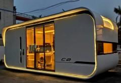 Casa SMART de 50.000 de dolari (mobilier inclus), un model futurist in care pot locui 4 persoane. Vezi interiorul superb