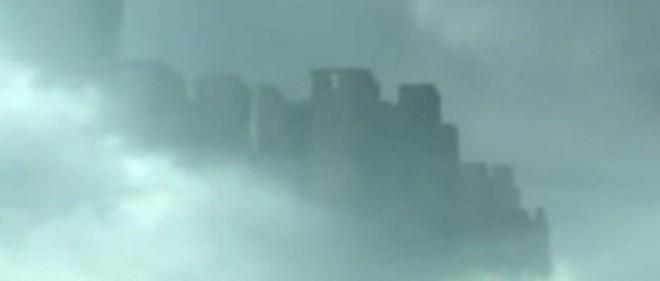 Misteriosul oraș plutitor de deasupra Chinei. O simplă iluzie optică sau ceva mai mult? (Video)