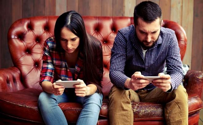 Cum îți distrug viața dependențele. Adicțiile de alcool, tutun, droguri, rețele sociale, jocuri de noroc și pariuri, cele mai întâlnite