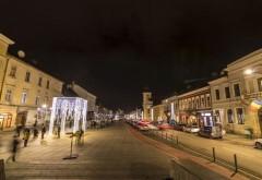 Orasul care UMILESTE Ploiestiul: Are străzi iluminate cu wifi şi bănci cu încărcare USB