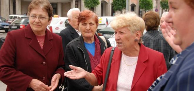 Vârsta de pensionare a femeilor crește la 65 de ani