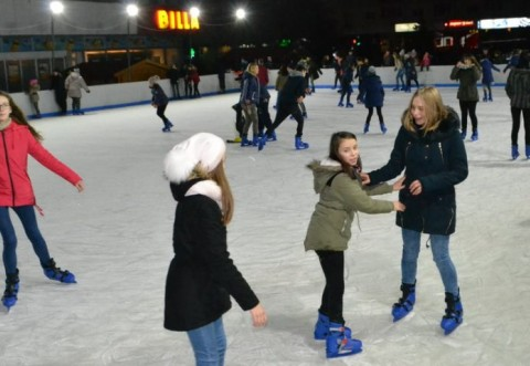 Se deschide patinoarul din Parcul Municipal Vest! Vezi aici cat e taxa