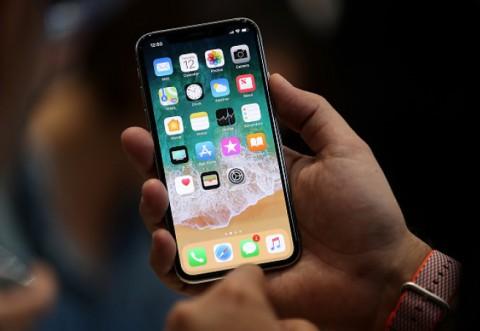 iPhone X la doar 70 de lei, ofertă de neratat de Black Friday. Orange vinde DIN GRESEALA telefonul de 5499 cu doar 70 lei!