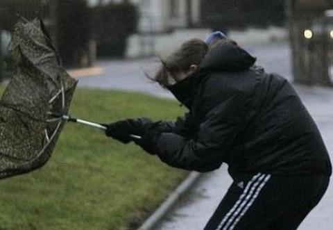 Avertizare meteo de ULTIMĂ ORĂ - Rafale de până la 100 de km/h în 8 județe din țară