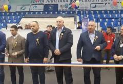 """Expozitie de porumbei campioni, la Sala Sporturilor """"Olimpia"""" din Ploiesti"""