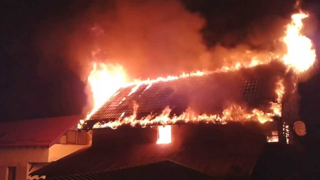 Incendiu in Colceag. O batrana de 92 de ani a fost gasita decedata