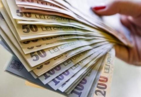 Ajutor de la stat pentru români! Cine poate lucra cu jumătate de normă, dar pentru salariu întreg