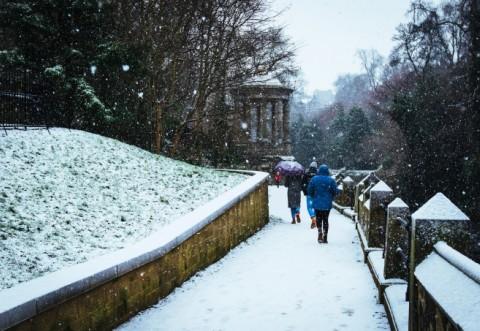 Sâmbătă revin ninsorile şi temperaturile scăzute. Prognoza meteo pentru weekend