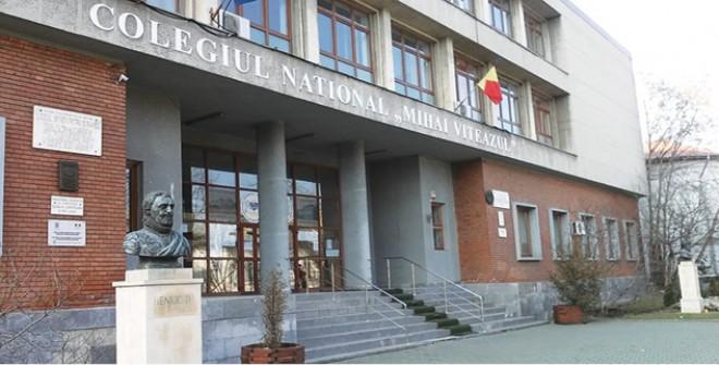 """Rezultate de excepţie obţinute de elevi ai Colegiului Naţional """"Mihai Viteazul"""" Ploieşti"""