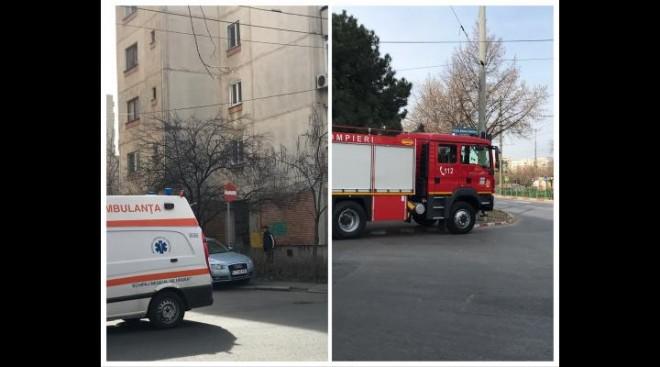 Pompierii intervin pentru deblocarea ușii unui apartament în care se află o persoană bolnavă