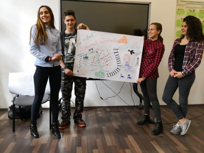 """O nouă generație de elevi de liceu din Câmpina va avea ocazia să își dezvolte abilitățile de leadership in cadrul programului """"Liderii Mileniului Trei-Tenaris""""."""