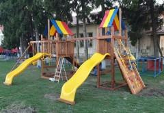 Surpriza pentru copiii din Lipanesti, la inceput de primavara. Parcul din centrul comunei s-a înnoit. Locul de joacă are supraveghere video