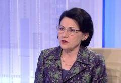 Andronescu: Elevii vor avea mai puține vacanțe