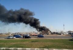 Cui apartine parcul de dezmembrari care a luat foc ieri, langa Ploiesti Shopping City/ VIDEO