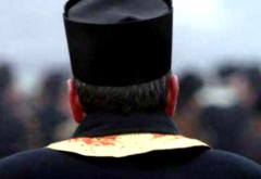 Preotul din Prahova acuzat că a tras de păr o elevă are dosar PENAL pentru purtare ABUZIVĂ