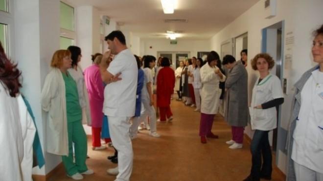 Infirmierele si asistentele de la Județean, puse la zid de ministrul Sănătății. Credeti ca sunt vinovate pentru modul in care sunt tratati pacientii?
