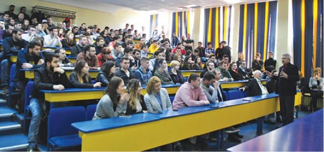 """Program de Internship """"Pregătit pentru Carieră"""", lansat de Rompetrol. 15 studenti ploiesteni primesc sansa participarii"""