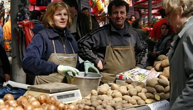 Preţurile au EXPLODAT în aprilie: cartofii au fost cu 33% mai scumpi, iar combustibilii cu 5%. Rata anuală a inflaţiei, în creştere