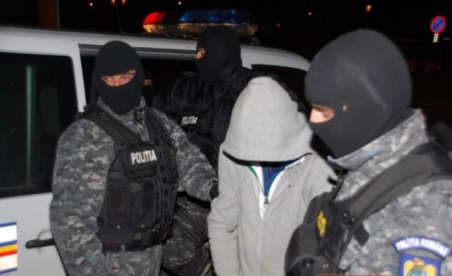 SURSE/ Prahoveanul care a furat 1 milion de euro in 2011 dintr-o locuinta din Ploiesti, prins de politisti