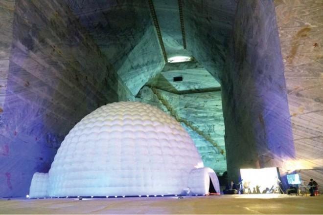 Cel mai mare planetariu din România se află în Salina Slănic