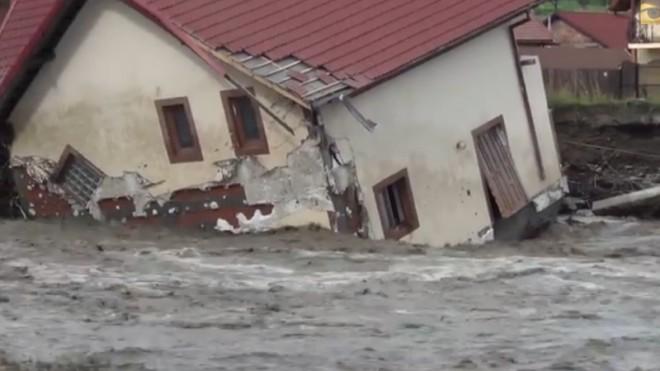 Prahova: Pagubele produse de fenomenele meteo, evaluate la 64 de milioane de lei; sinistraţii vor primi ajutoare de urgenţă