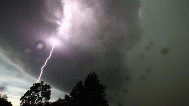 Informare meteo de vremea rea: 32 de județe sub cod galben de ploi torențiale și vijelii