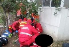 Baietel de 2 ani, cazut de la etajul 2 al unui bloc din comuna Brazi