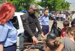 """Elevii Scolii gimnaziale """"Mihai Viteazul"""" Boldești Scăieni, premiati de Politia Prahova si TEDI"""
