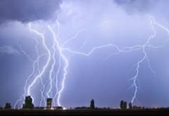 Avertizare meteo COD GALBEN. Ploi, vijelii şi grindină în aproape toată ţara până la noapte. Sunt vizate 38 de judeţe