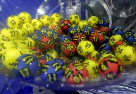 Unele lângă altele: Ce numere au fost extrase la Loto 6/49, Noroc, Joker, Noroc Plus, Loto 5/40 si Super Noroc
